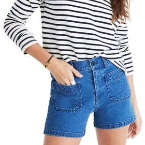 Madewell | Dark Rinse Patch Pocket Shorts size 32